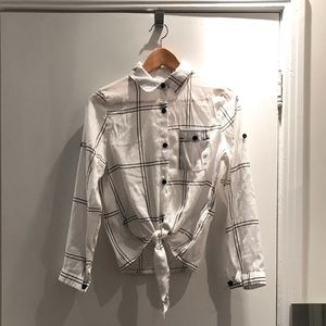 SHEIN Knotted Button Up Shirt